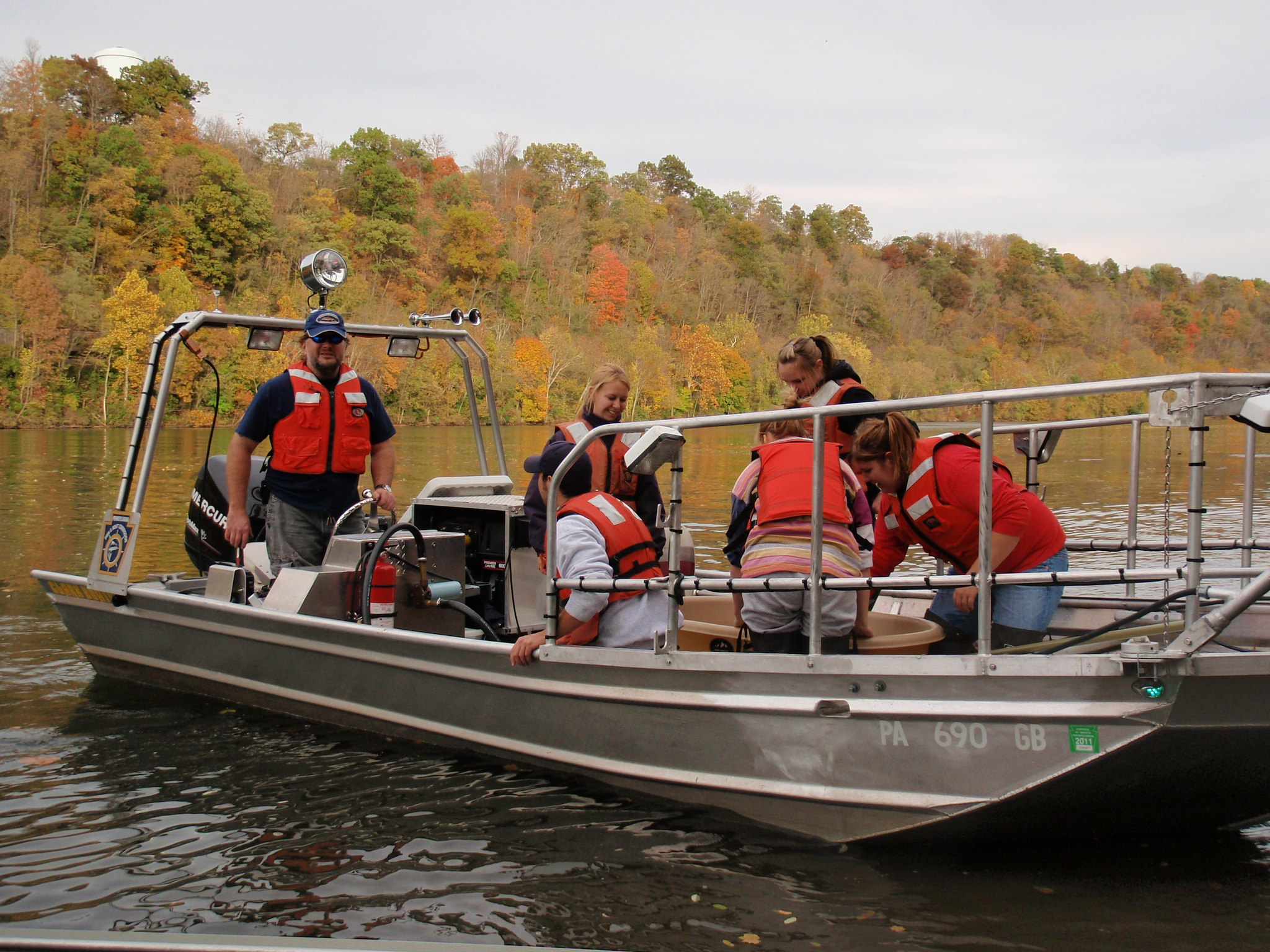 boatelectrofishing with the pa fish and boat commission